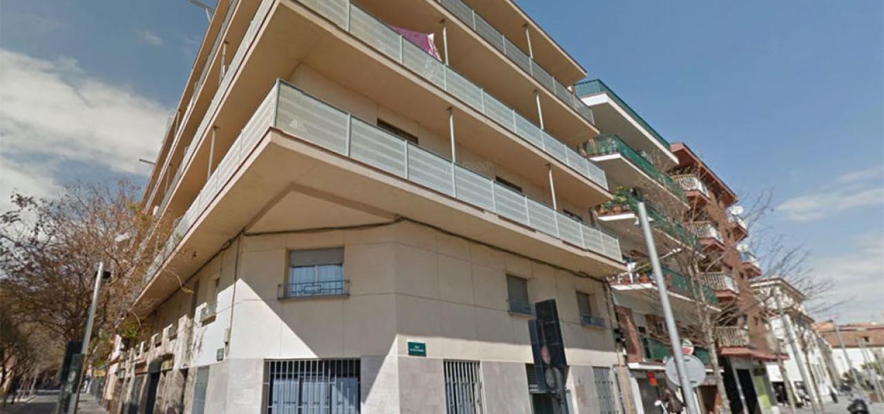 Instalación de Ascensor en Carrer d'Altimira 23, Cerdayolla del Valles, Barcelona