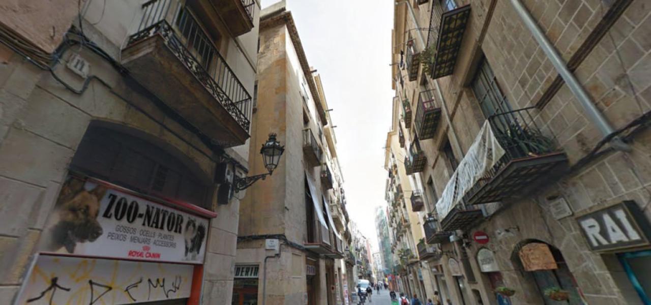 Instalación de Ascensor en Carrer d'En Tarròs 2, Barcelona