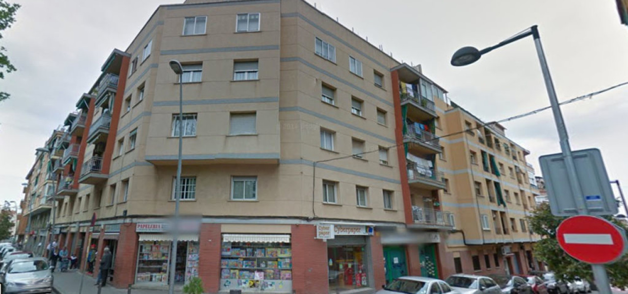 Instalación de Ascensor en Carrer Verge de la Mercè 47, Esplugues de Llobregat, Barcelona
